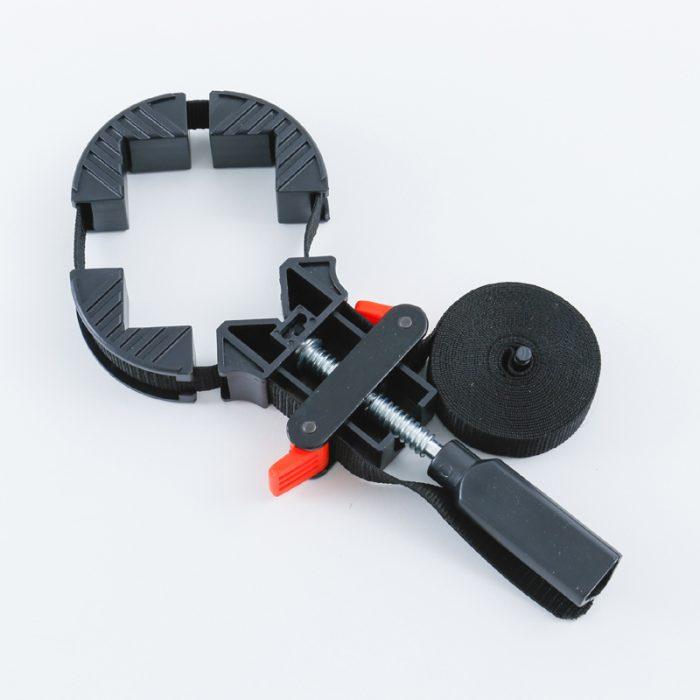 材料の固定に便利なクランプの使い方