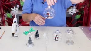 ep540 Ornament With Open Face & Jar Ornament